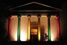 Nächste Beerdigung heute 19:00 Uhr auf den Stufen des Theater Moller Haus
